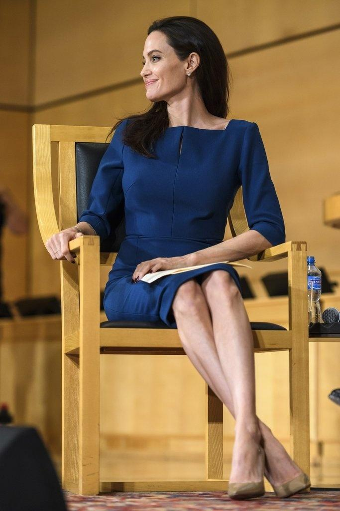 Muốn mặc đẹp như Angelina Jolie, hãy ghi nhớ những bí quyết sau-4