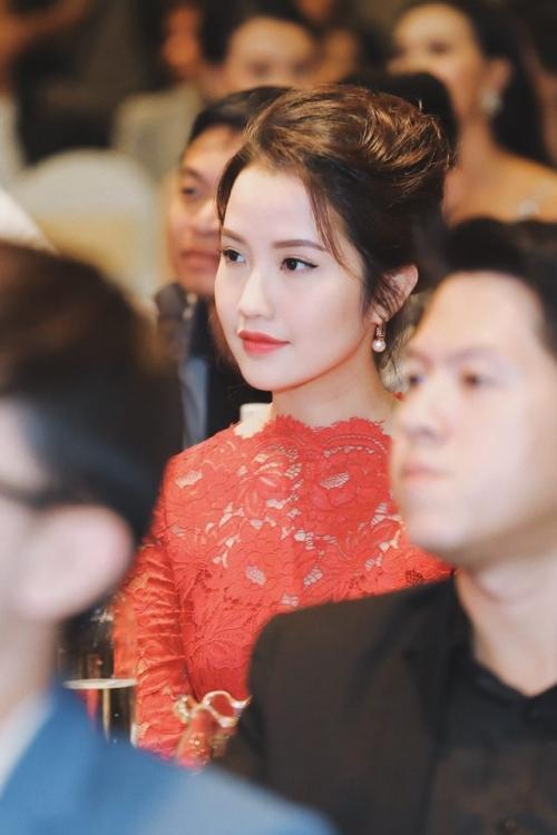 Chân dung cô gái tài sắc vẹn toàn được cho là 'bạn gái mới' của thiếu gia Phan Thành-4