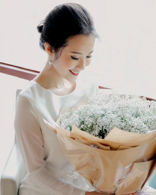 Chân dung cô gái tài sắc vẹn toàn được cho là 'bạn gái mới' của thiếu gia Phan Thành-7
