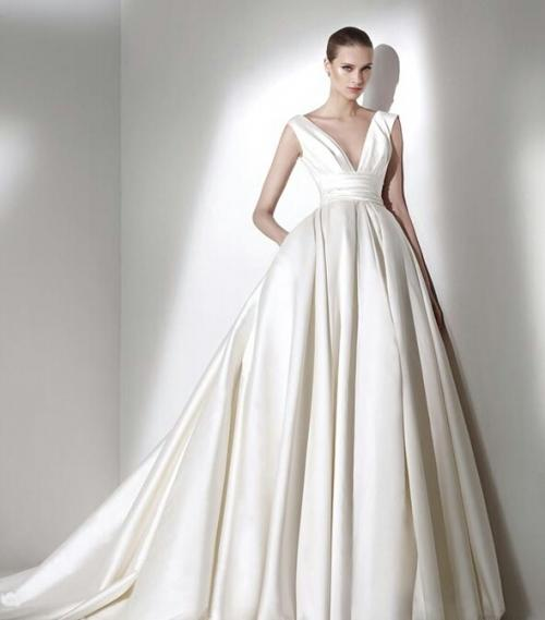 Với vóc dáng bé nhỏ, Song Hye Kyo sẽ chọn váy cưới kiểu nào để làm 'cô dâu thế kỉ'?-3