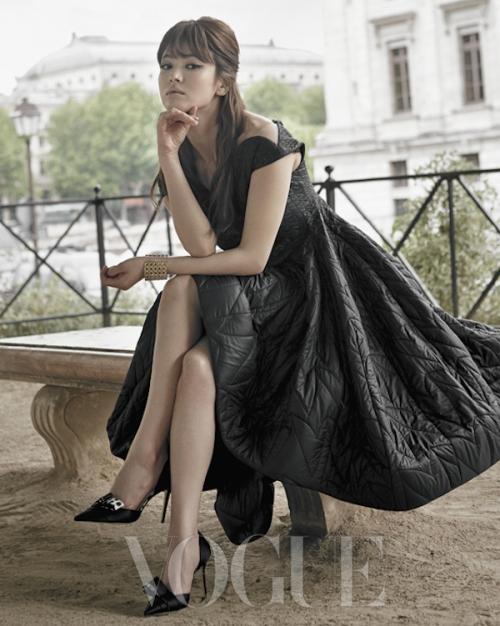 Với vóc dáng bé nhỏ, Song Hye Kyo sẽ chọn váy cưới kiểu nào để làm 'cô dâu thế kỉ'?-5