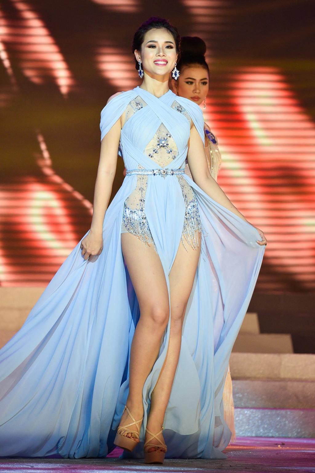 Thí sinh Hoa hậu Đại dương đụng hàng Huyền My trong đêm chung kết-3