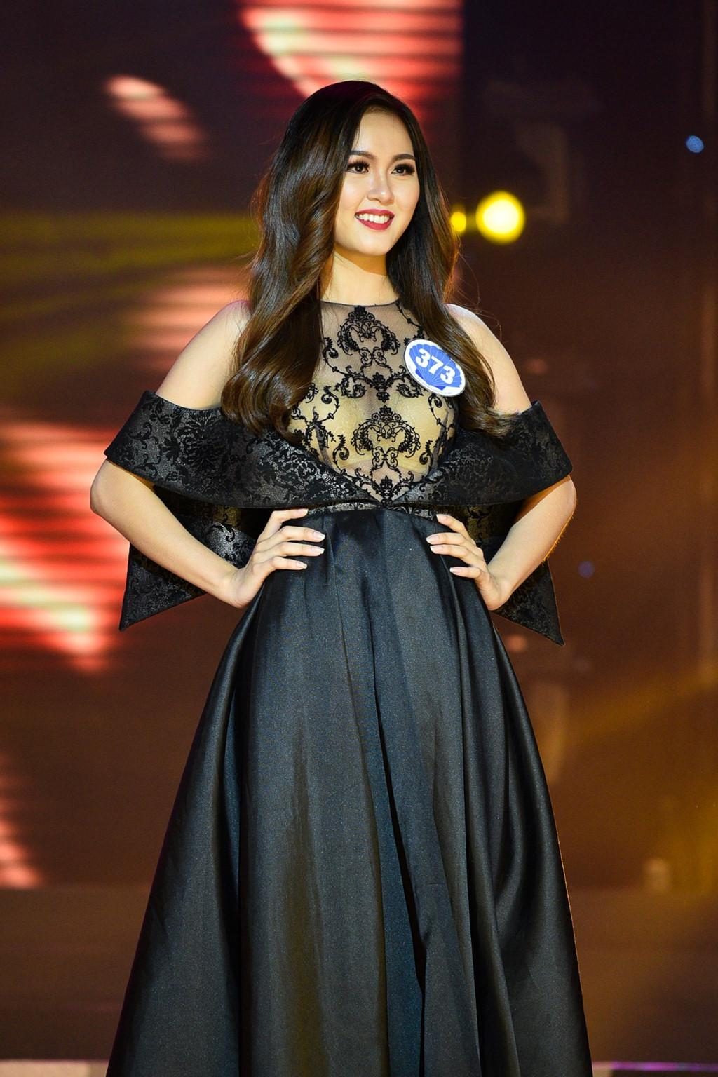 Thí sinh Hoa hậu Đại dương đụng hàng Huyền My trong đêm chung kết-4