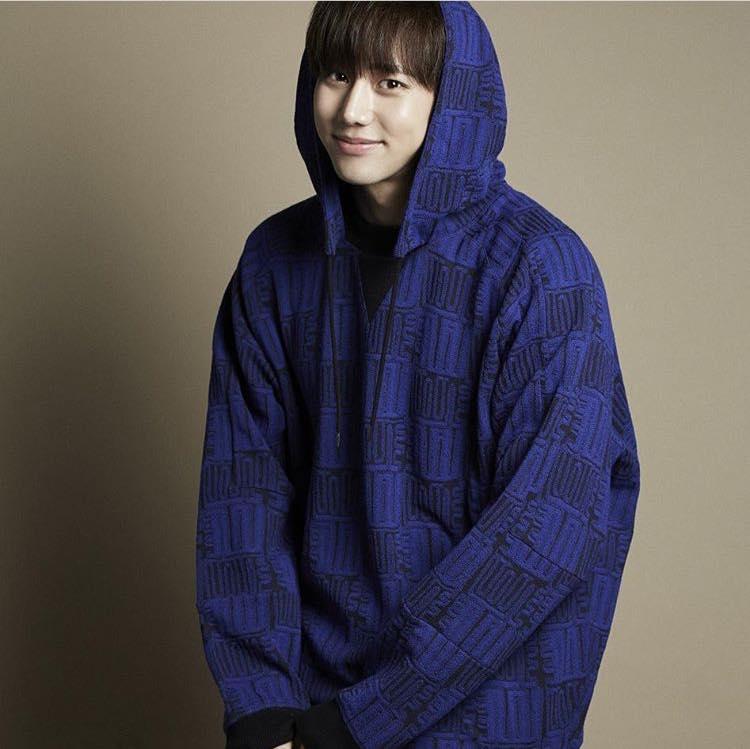 Khám phá gu thời trang của mỹ nam gây sốt trong MV Cho ta gần hơn của Chi Pu-8