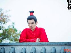 Bật cười với chiêu độn chiều cao trong phim cổ trang Trung Quốc