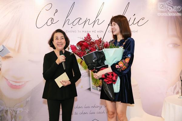 Clip mẹ Trấn Thành chia sẻ niềm tự hào khi có con dâu là Hari Won-3