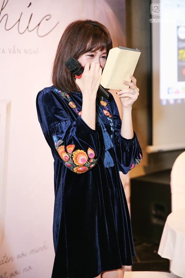 Clip mẹ Trấn Thành chia sẻ niềm tự hào khi có con dâu là Hari Won-4