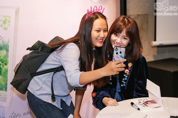 Clip mẹ Trấn Thành chia sẻ niềm tự hào khi có con dâu là Hari Won-9