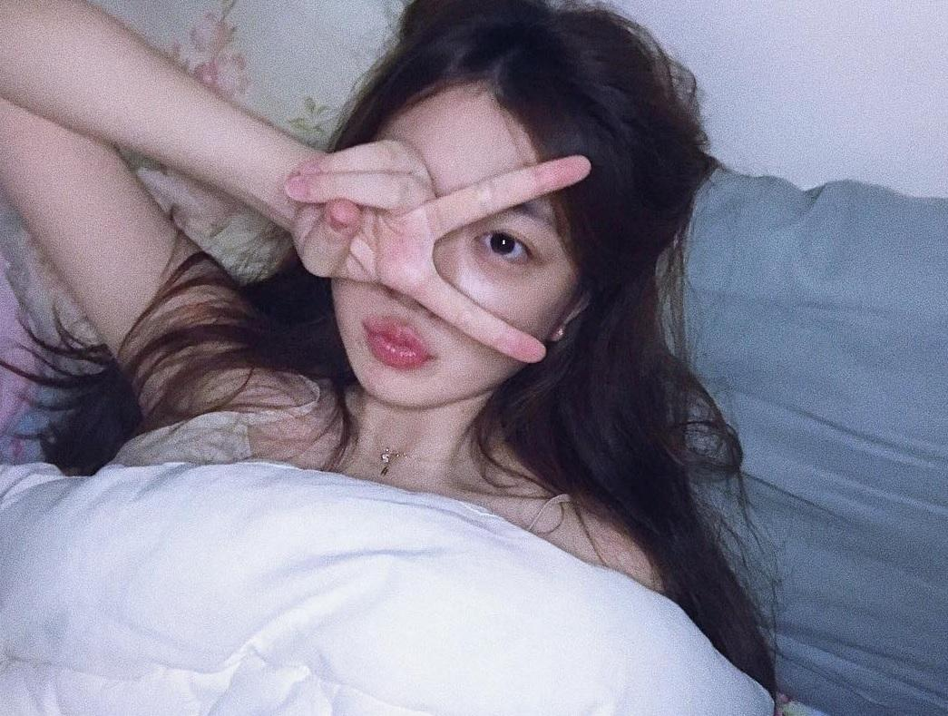 Cô gái Hàn được ví như chị em song sinh thất lạc của Sulli vì giống thần tượng đến 99%-8