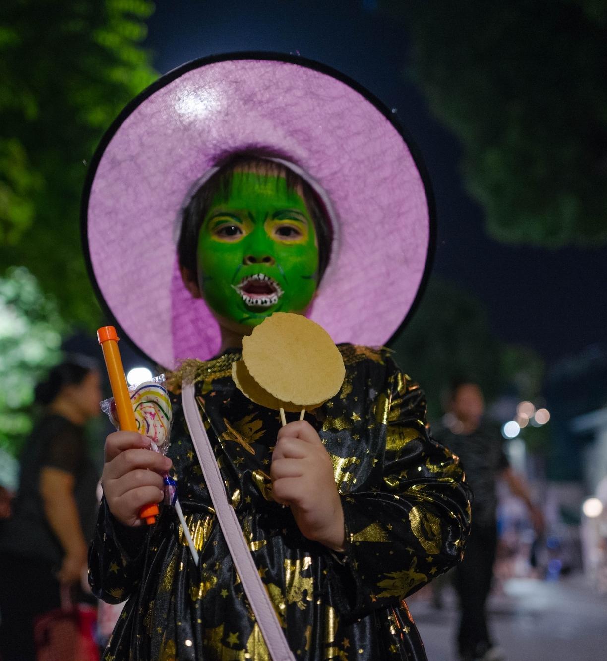 Đã mắt với màn nhảy flashmob theo phong cách thây ma trên phố đi bộ Hà Nội-4