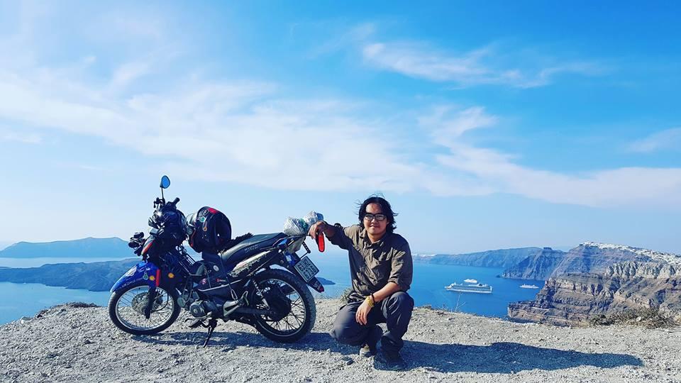 Chàng trai Tiền Giang đi xe máy từ Việt Nam đến Pháp-2