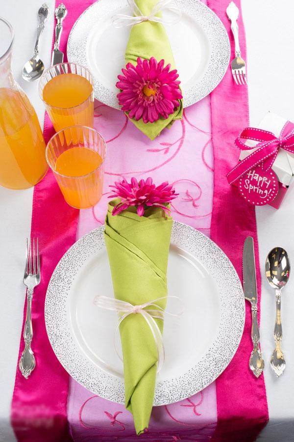 3 cách gấp khăn ăn trang trí bàn ăn đẹp tinh tế-3