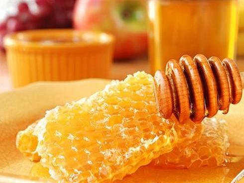 Ba cách làm đẹp da bằng sáp ong-1