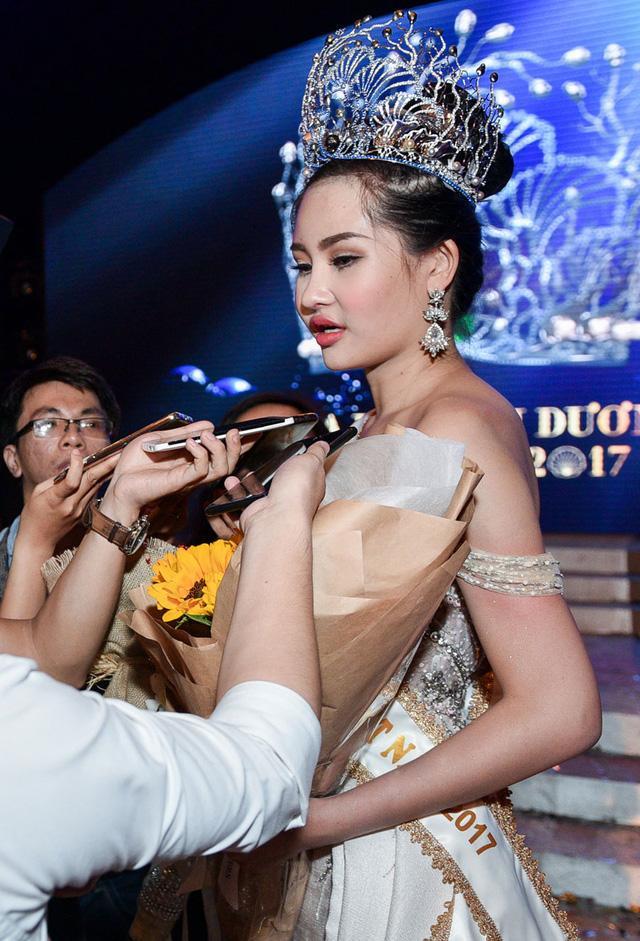 Ca sĩ Thanh Thảo: Dè bỉu nhan sắc Hoa hậu Đại Dương 2017 giống cá La Hán thì thật tội cô ấy-7