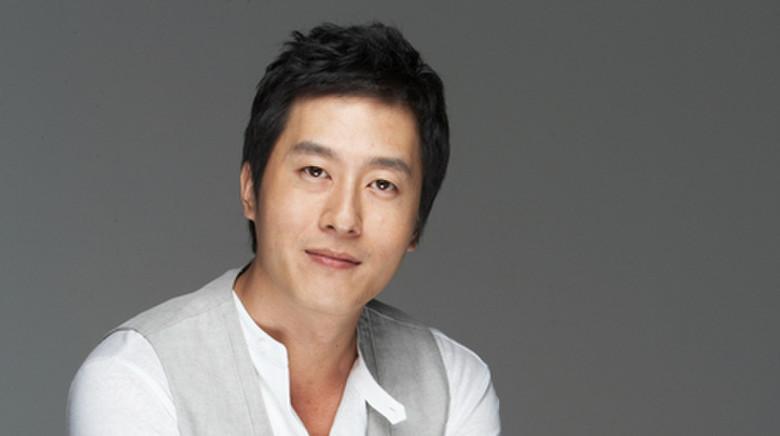 Hàng loạt sự kiện giải trí tại Hàn Quốc tạm dừng để tưởng nhớ nam diễn viên Reply 1988-5