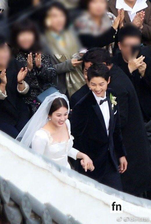 Hình ảnh Song Hye Kyo mặt bầu tròn trĩnh làm dấy lên nghi ngờ cô dâu đã có tin vui-1