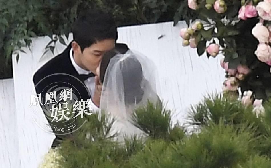 Hình ảnh Song Hye Kyo mặt bầu tròn trĩnh làm dấy lên nghi ngờ cô dâu đã có tin vui-3