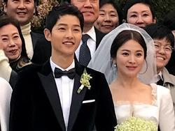 Sao Hàn 31/10: Song Hye Kyo ném 4 lần hoa cưới trong hôn lễ
