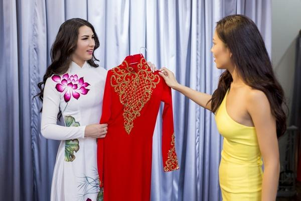 Nguyễn Thị Loan hội ngộ Hoa hậu Hoàn vũ Na Uy trước thềm chung kết Hoa hậu Hoàn vũ-6