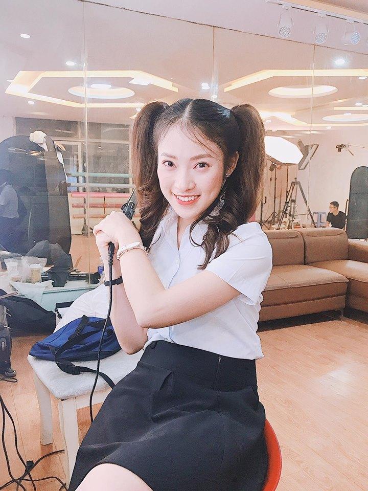 Hot girl - hot boy Việt 1/11: Bạn gái Phan Thành trổ tài chơi piano hút triệu lượt xem-3
