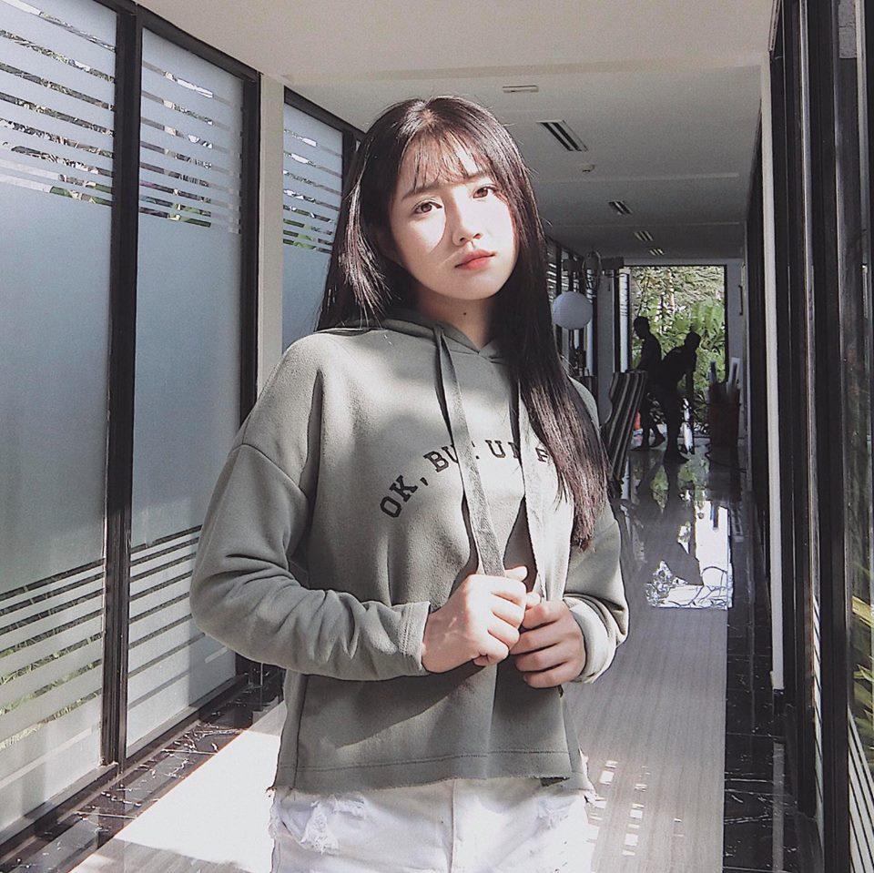 Hot girl - hot boy Việt 1/11: Bạn gái Phan Thành trổ tài chơi piano hút triệu lượt xem-4