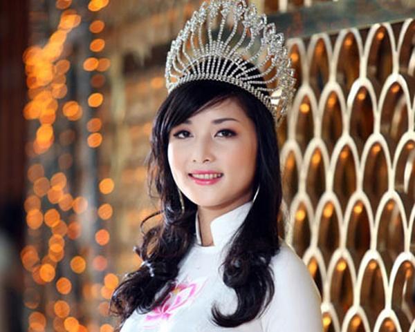 Những hoa hậu tự trả vương miện gây tranh cãi nhất showbiz Việt-4