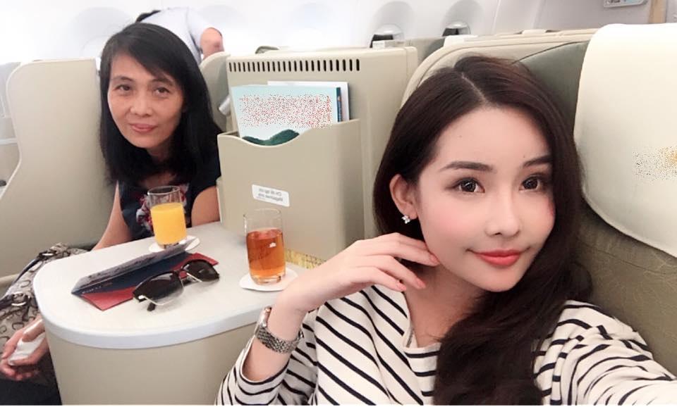 Tin sao Việt 1/11: Bỏ ngoài tai mọi công kích, hoa hậu Lê Âu Ngân Anh hào hứng với công việc mới-2
