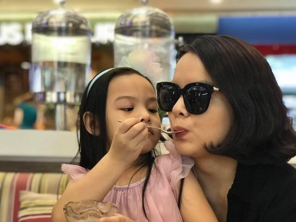 Tin sao Việt 1/11: Bỏ ngoài tai mọi công kích, hoa hậu Lê Âu Ngân Anh hào hứng với công việc mới-3