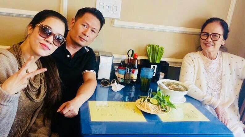 Tin sao Việt 1/11: Bỏ ngoài tai mọi công kích, hoa hậu Lê Âu Ngân Anh hào hứng với công việc mới-7