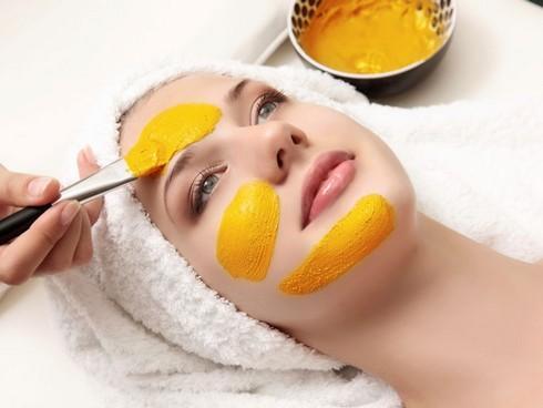 Cách làm đẹp da từ tinh bột nghệ