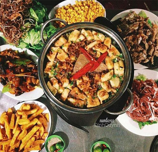 Top 7 quán lẩu vỉa hè cứ gió mùa là đông kín người ăn ở Hà Nội-6