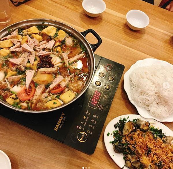 Top 7 quán lẩu vỉa hè cứ gió mùa là đông kín người ăn ở Hà Nội-7