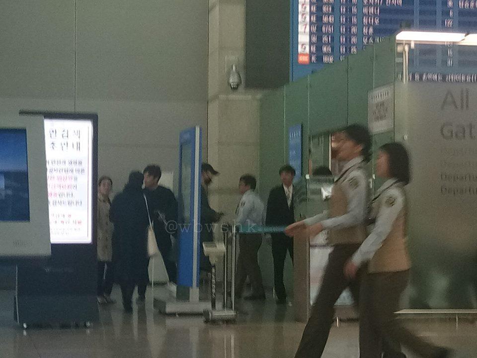 Vợ chồng Song Hye Kyo bịt mặt kín mít, sang Châu Âu hưởng tuần trăng mật-3