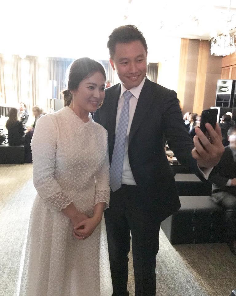 Vợ chồng Song Hye Kyo bịt mặt kín mít, sang Châu Âu hưởng tuần trăng mật-5