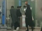 Vợ chồng Song Hye Kyo bịt mặt kín mít, sang Châu Âu hưởng tuần trăng mật