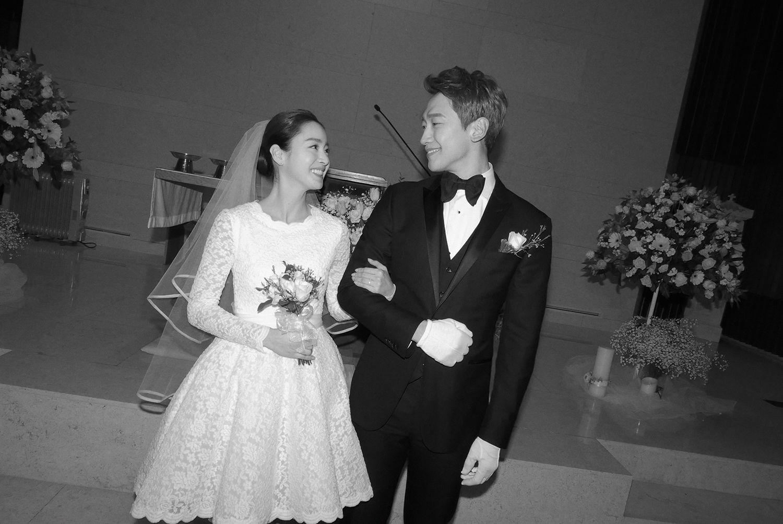 Cùng mặc váy cưới triệu đô, sao Hàn nào mới là nữ hoàng trong ngày trọng đại?-3