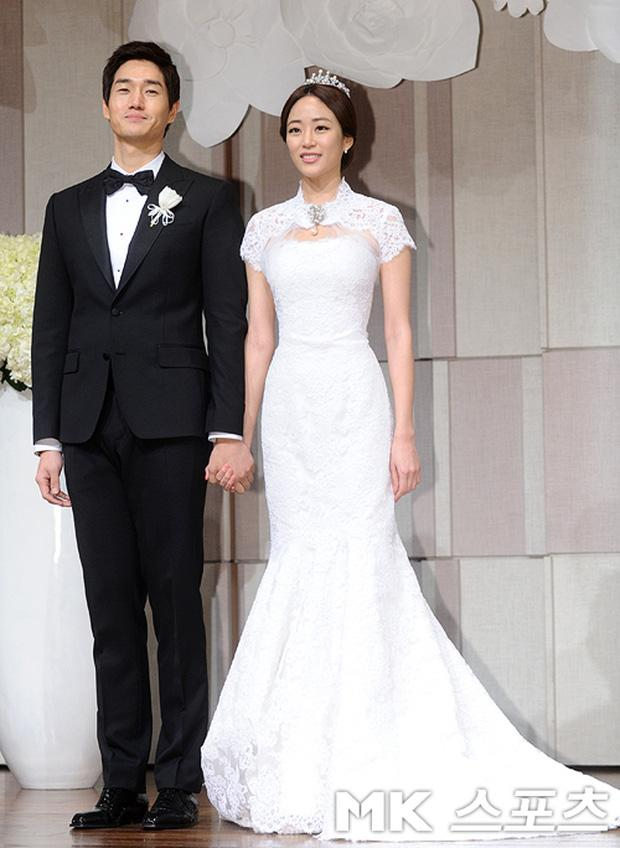 Cùng mặc váy cưới triệu đô, sao Hàn nào mới là nữ hoàng trong ngày trọng đại?-6