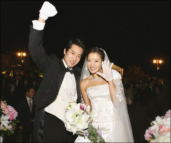 Cùng mặc váy cưới triệu đô, sao Hàn nào mới là nữ hoàng trong ngày trọng đại?-12