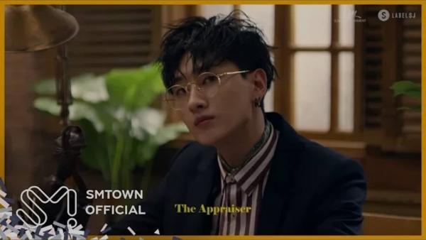 Super Junior quá nam tính với vũ đạo sexy trong teaser MV 'Black Suit'-1