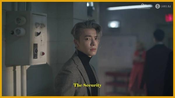 Super Junior quá nam tính với vũ đạo sexy trong teaser MV 'Black Suit'-3