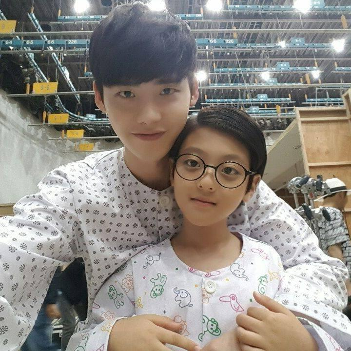 Khi nàng say giấc: Ảnh hậu trường cực đáng yêu của Lee Jong Suk và Suzy-2
