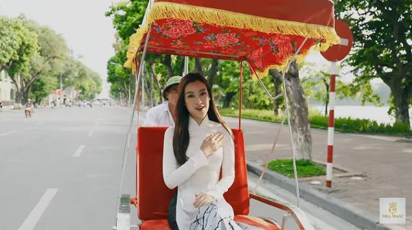 Đỗ Mỹ Linh nói tiếng Anh như gió trong clip giới thiệu bản thân tại Miss World 2017-3