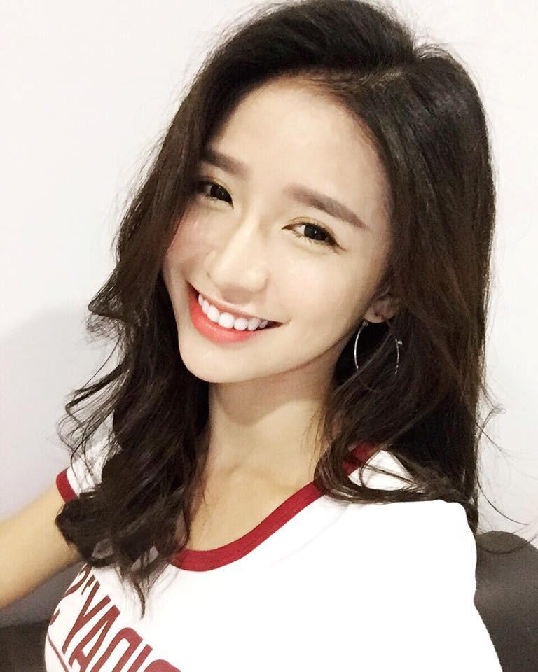 Nụ cười tỏa nắng hút nghìn fan của hot girl đình đám Malaysia-3