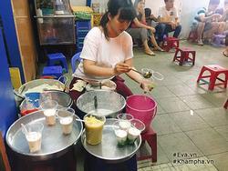 Hàng tàu hũ cốt dừa mát ngậy, chỉ 9 nghìn/ly, 'siêu' đông khách ở Sài Gòn