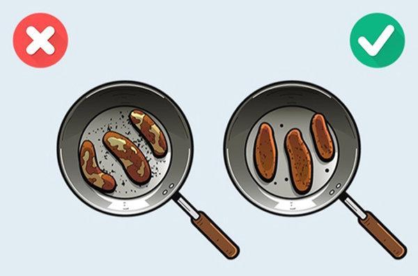 Chị em hãy dừng ngay 6 việc này khi đang nấu thịt-1