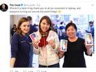 Tim Cook vui mừng chia sẻ ảnh người Việt mua iPhone X