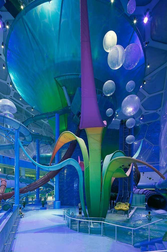 Nhà thi đấu cũ kỹ hóa đại dương đẹp ảo diệu như hành tinh khác-4