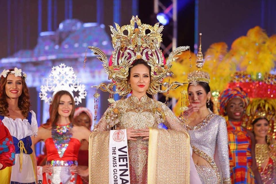Đi thi trong âm thầm, Khánh Ngân xuất sắc đăng quang Hoa hậu Hoàn cầu 2017-5