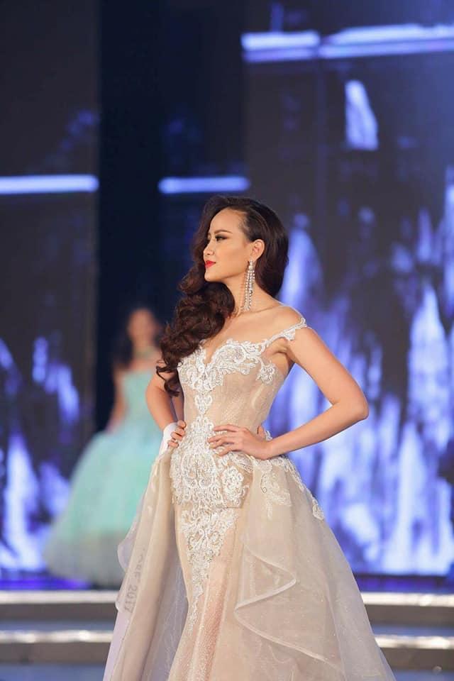 Đi thi trong âm thầm, Khánh Ngân xuất sắc đăng quang Hoa hậu Hoàn cầu 2017-6