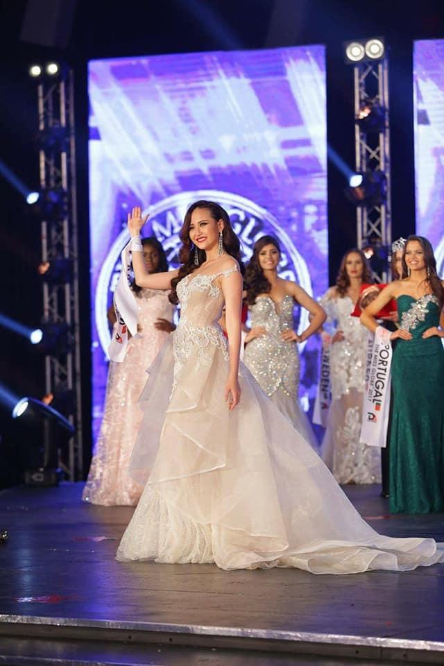 Đi thi trong âm thầm, Khánh Ngân xuất sắc đăng quang Hoa hậu Hoàn cầu 2017-7